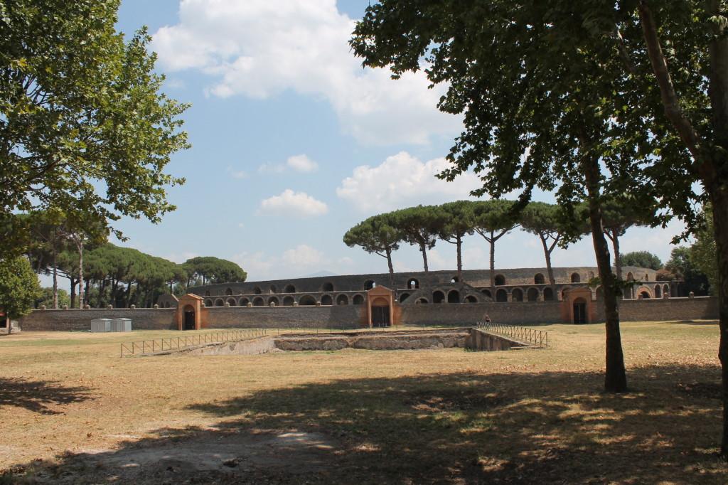 Pompei antica aprono al pubblico la palestra grande e gli for Sud arredi nocera superiore