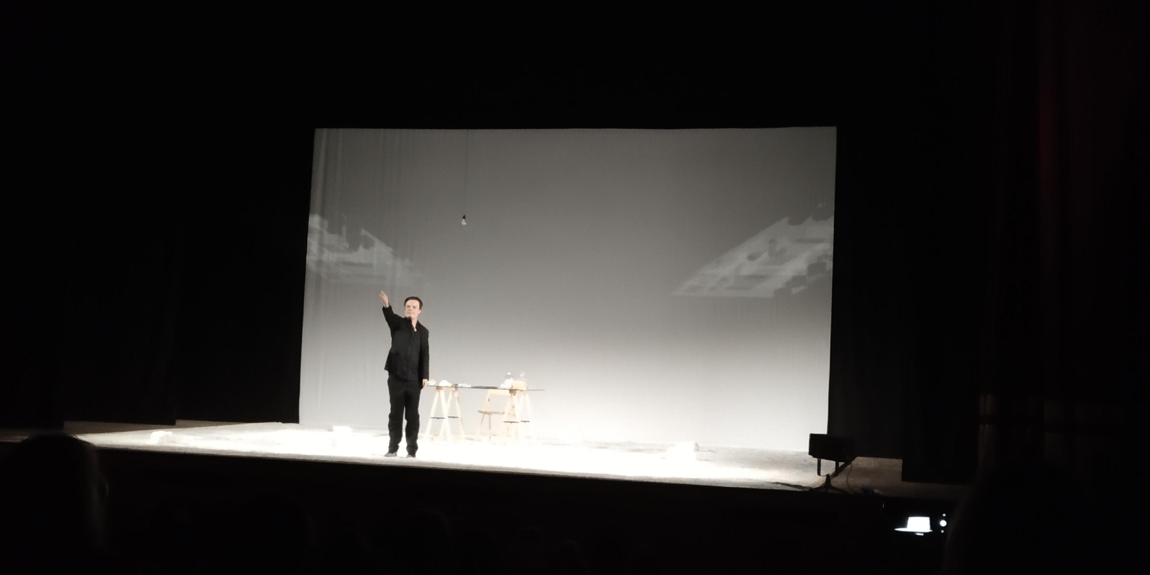 Viaggio nel profondo di Jan Fabre con Giornale Notturno interpretato da Lino Musella
