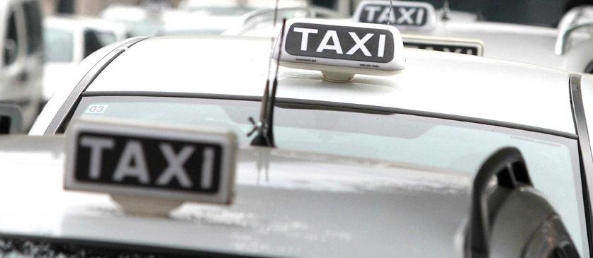 Il taxi collettivo per andare all'aeroporto di Napoli. Il nuovo tipo di trasporto arte dal 27 aprile