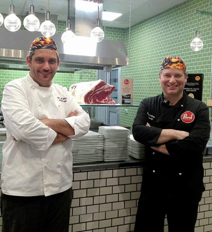 Braceria Perol Carni a Colorito, terzo compleanno per i Dottori della Carne