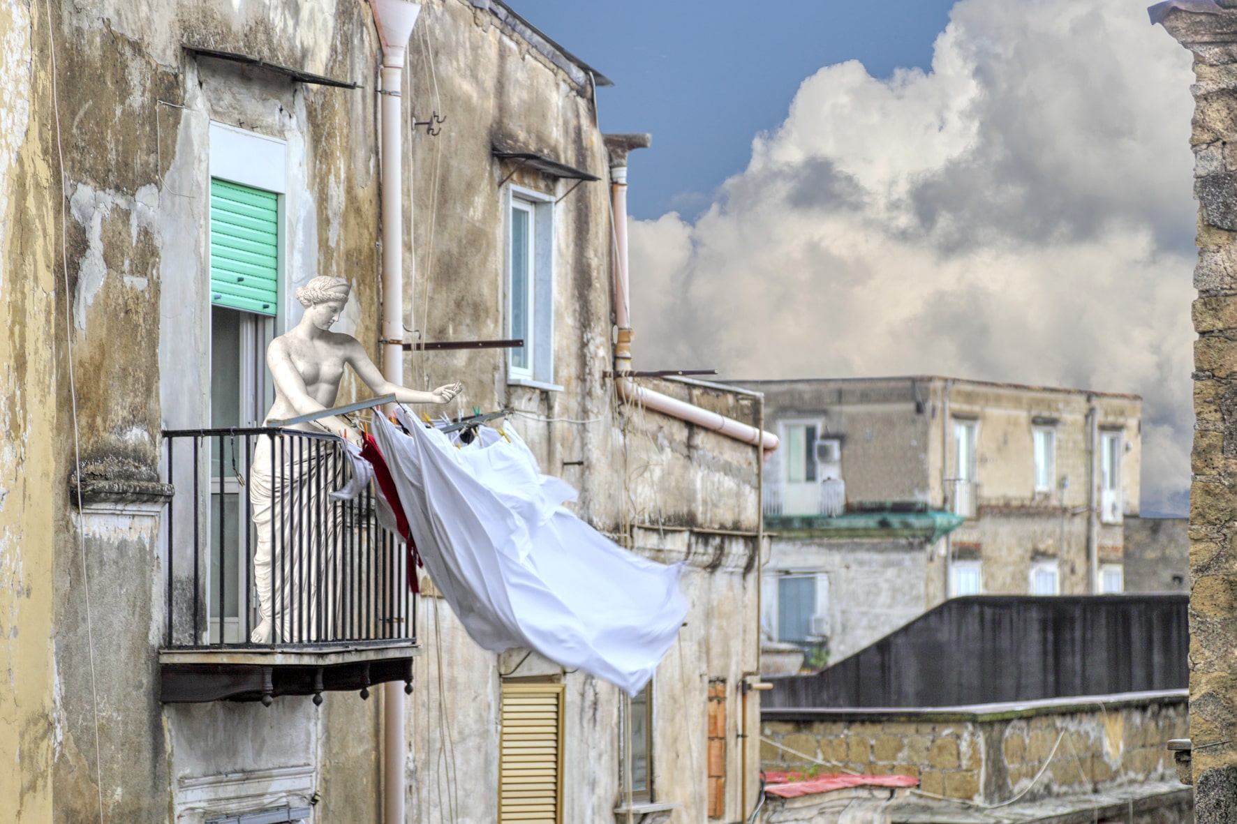 Le statue in 'fuga dal museo' s'impadroniscono di Napoli. Al MANN la nuova mostra di Assisi e Cipolla