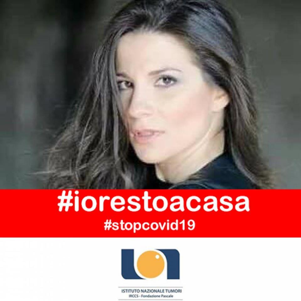"""Anna Capasso: """"stop al mio prossimo videoclip, ma faccio il tifo per il dottor Ascierto!"""""""