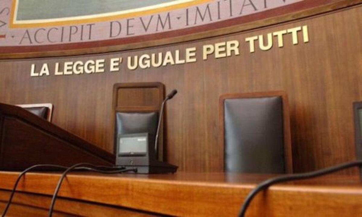 Salerno, oltraggio a magistrato, 45enne arrestato in Tribunale