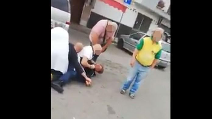 Tenta di rapinare una macelleria, viene bloccato dai passanti