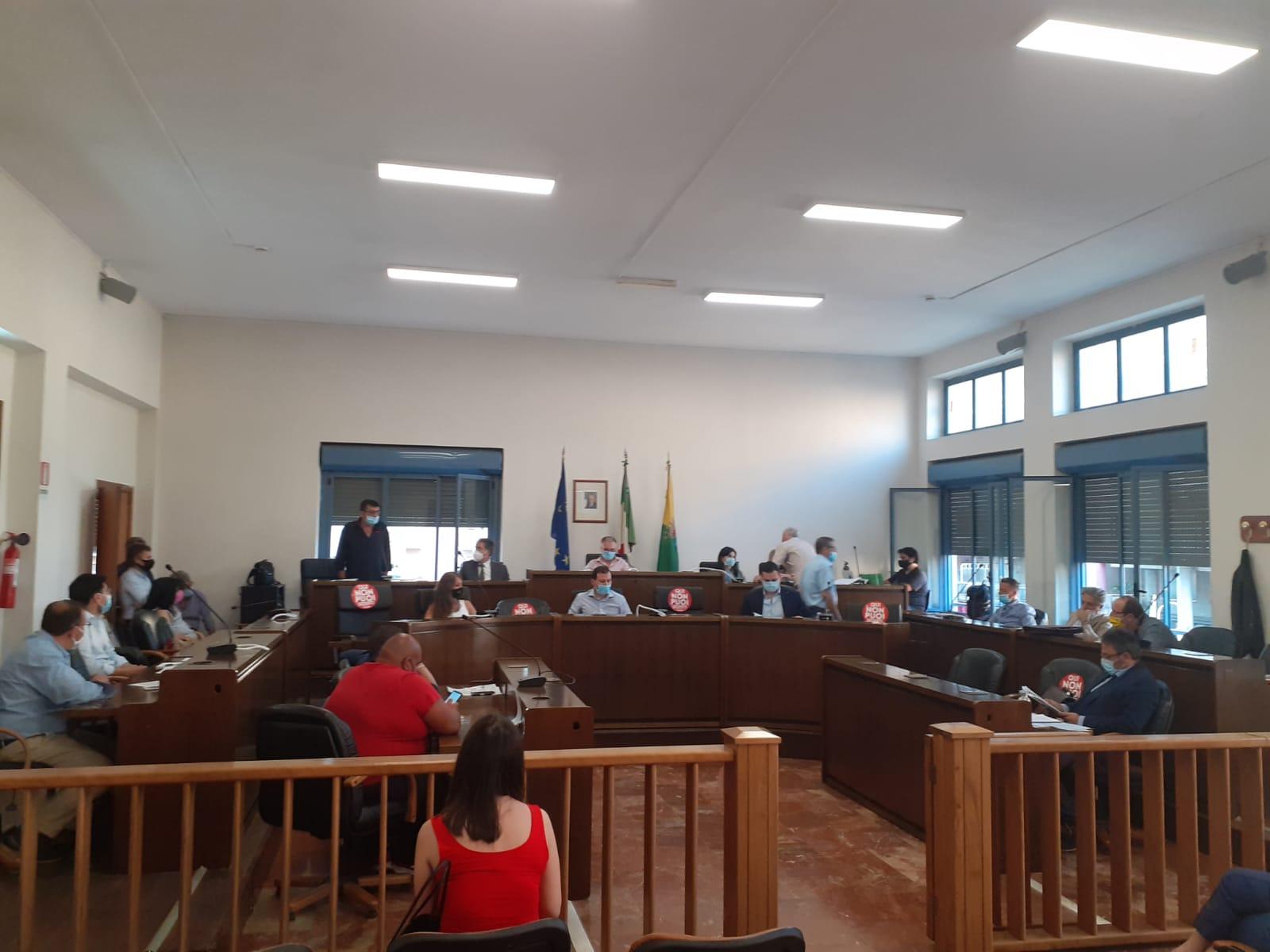 Nocera Superiore, consiglio comunale: la voce libera di radiomarciapiede mostra la propria contrarietà