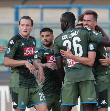 Verona-Napoli 0-2: azzurri belli, concreti e spietati