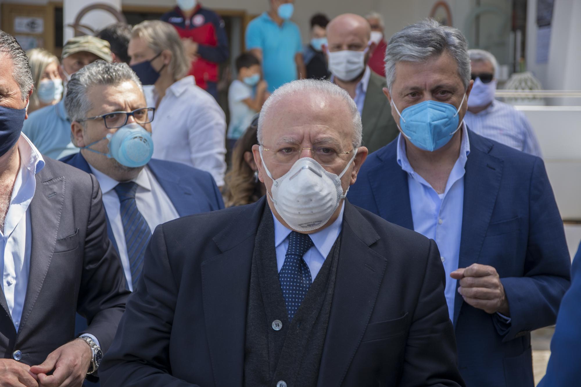 Coronavirus Campania: in arrivo due ordinanze restrittive