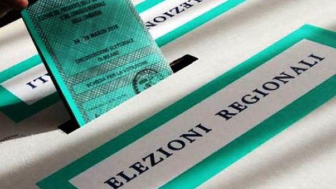 Elezioni: al seggio con la mascherina