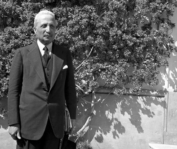28 giugno 1946: Enrico De Nicola primo presidente della Repubblica