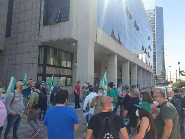 Flash Mob, infermieri salernitani sul piede di guerra