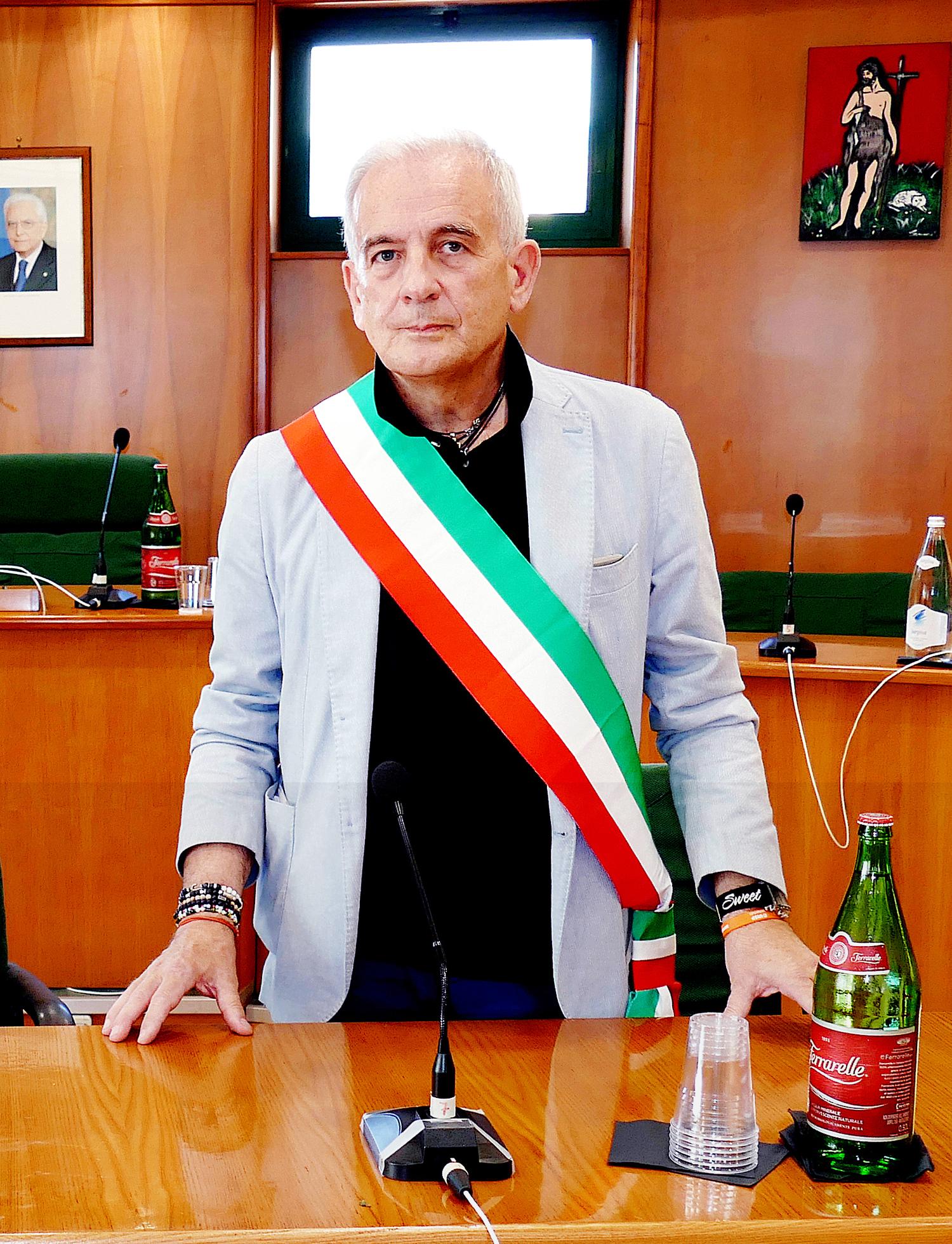 Roccapiemonte: lo Pagano ma il sindaco rinuncia all'indennità…