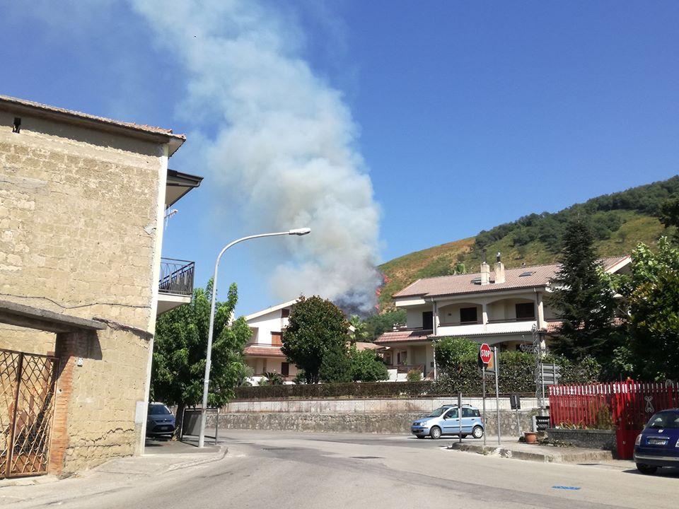 Mercato San Severino: le Sentinelle segnalano l'incendio