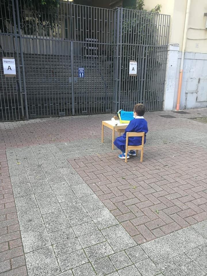 Salerno: la protesta contro la chiusura delle scuole