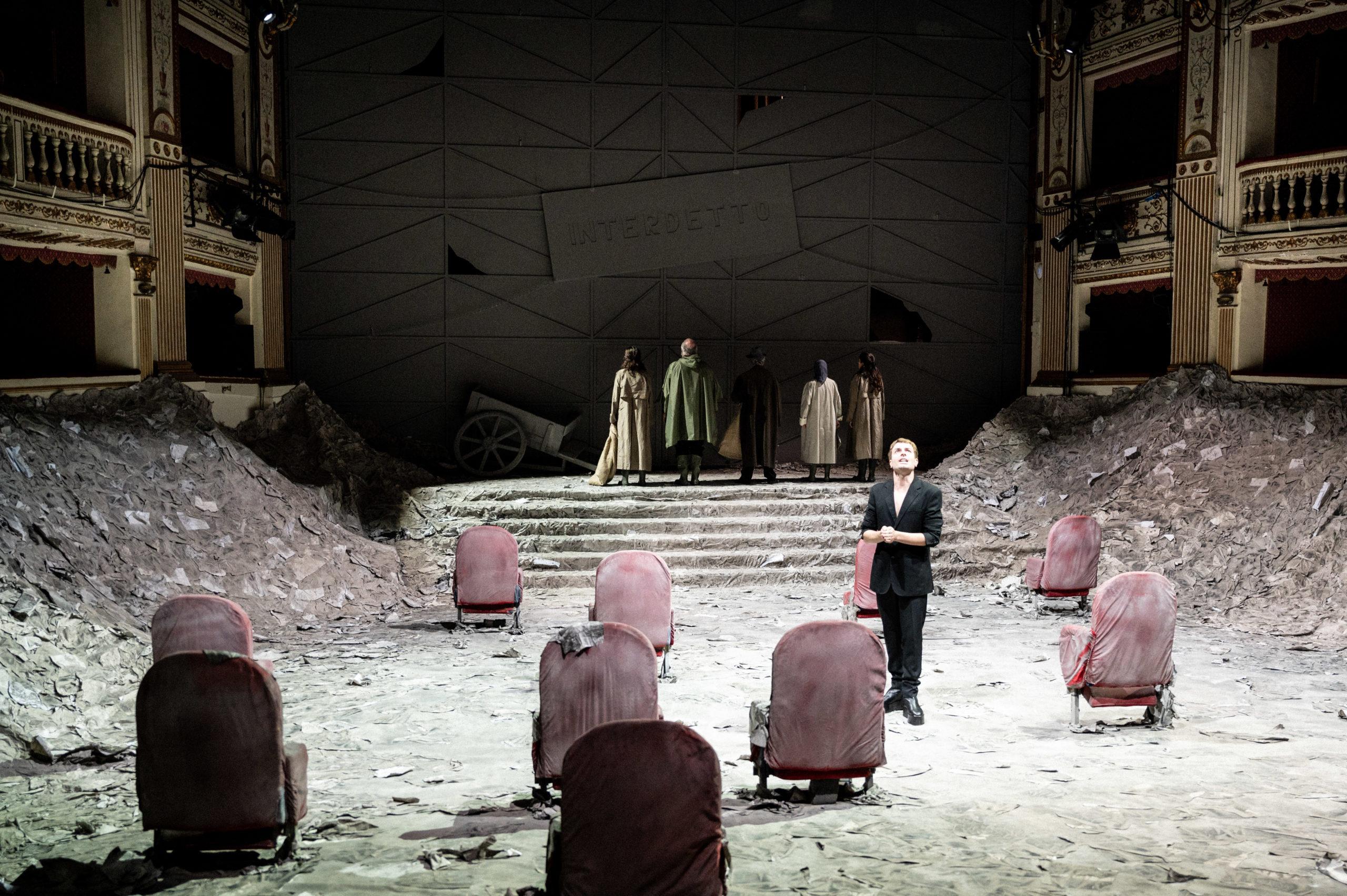 'I manoscritti del diluvio' con la regia di Carlo Cerciello apre la stagione del Teatro Nazionale di Napoli