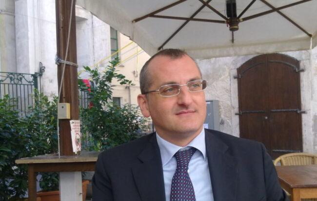 Eboli, Massimo Cariello si dimette da sindaco