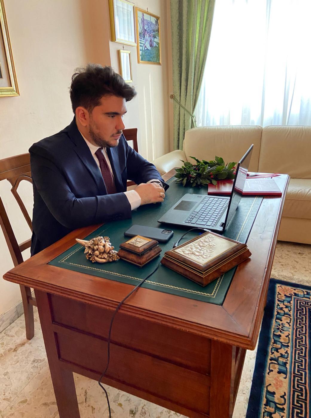 Auguri a Luigi Fortino: giovane medico nocerino