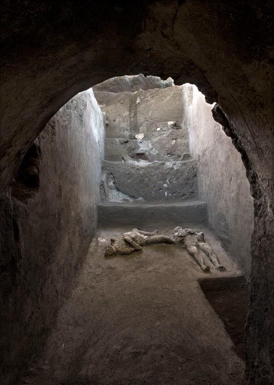 Pompei, presentati calchi di due uomini in fuga nella villa suburbana di Civita Giuliana. Tutti i dettagli