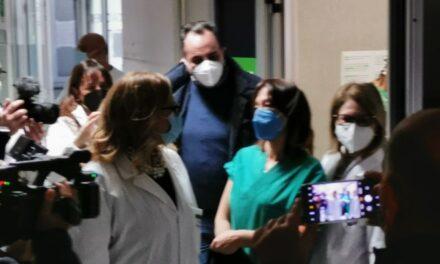Vaccini, iniettata la prima dose al San Leonardo di Castellammare