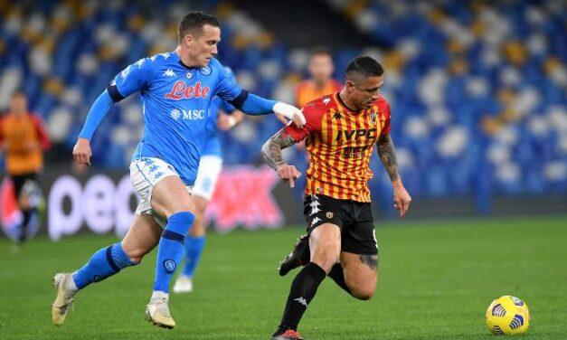 24^ Serie A: il Napoli si aggiudica il derby campano, battuto il Benevento – di Francesco Buonaiuto