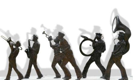 Scafati: funerale con banda musicale. Identificate e sanzionate 40 persone