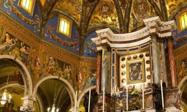 Pompei, la Supplica in Santuario solo su prenotazione