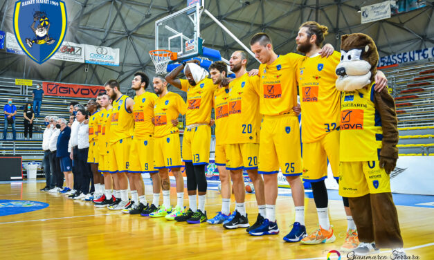 Basket: Scafati spera ancora nell'A1, va sul 2-2 con Udine, emozioni da overtime